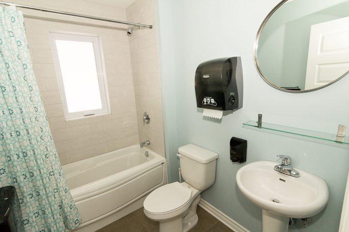 montagnard chalets lanaudiere salle de bain 8 2