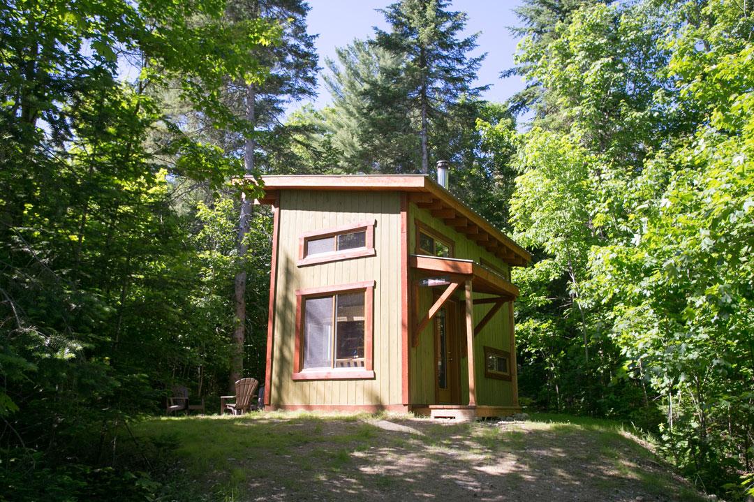 cabane sous bois
